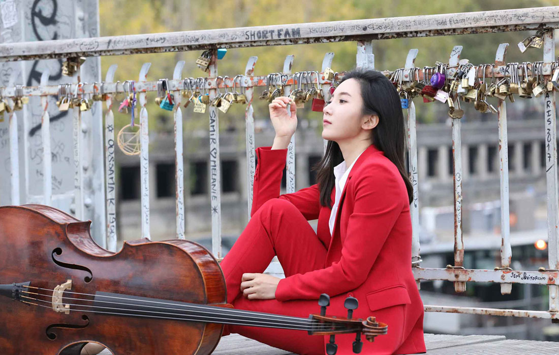 Hee-Young Lim at the railing