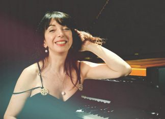 Eliane Rodrigues photographed by Karine Gondim