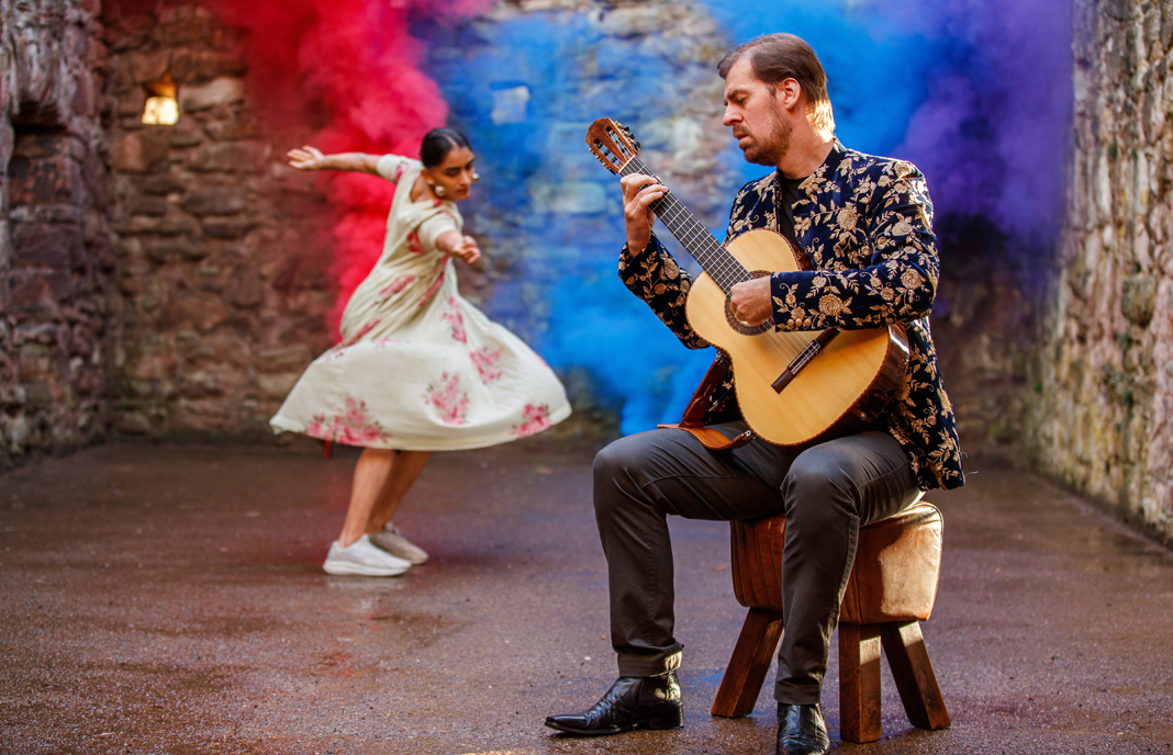 Simon Thacker presents Pashyanti on Guitar